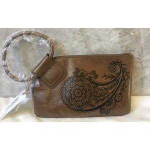 NWT Hobo Sable Leather Wristlet Clutch Purse Brown